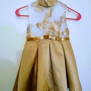 Other - 4T Little Girls Gold and Cream Formal Dress